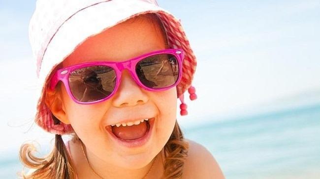 Elegir correctamente unas gafas de sol que no afecten a la salud visual